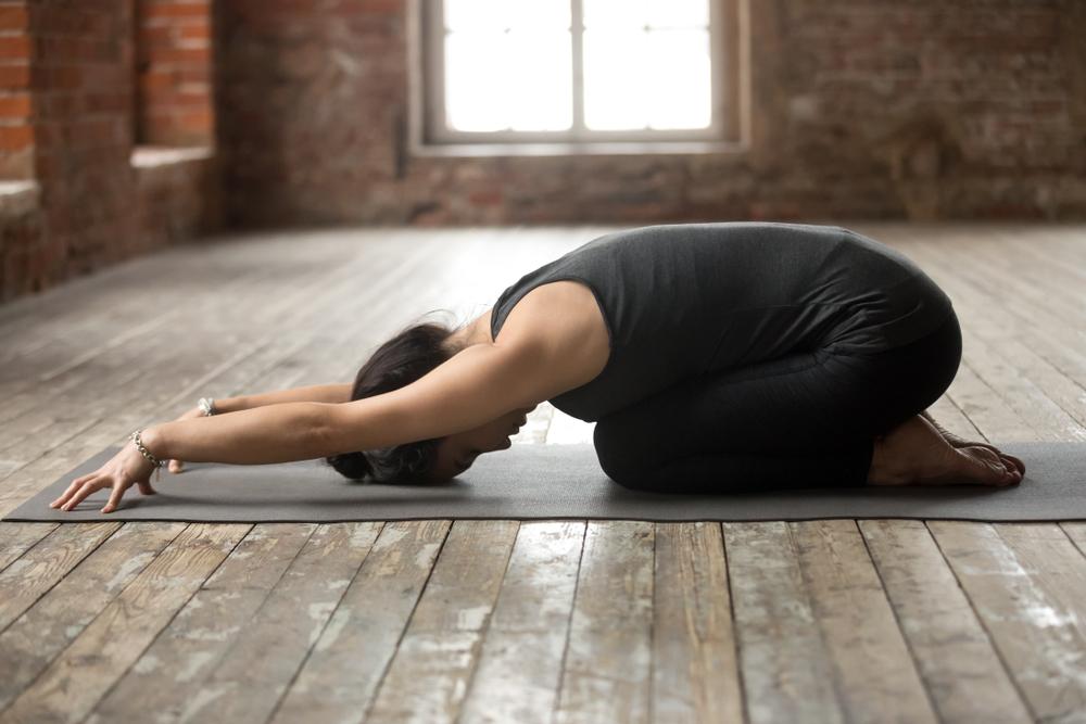 beneficios del yoga postura balasana