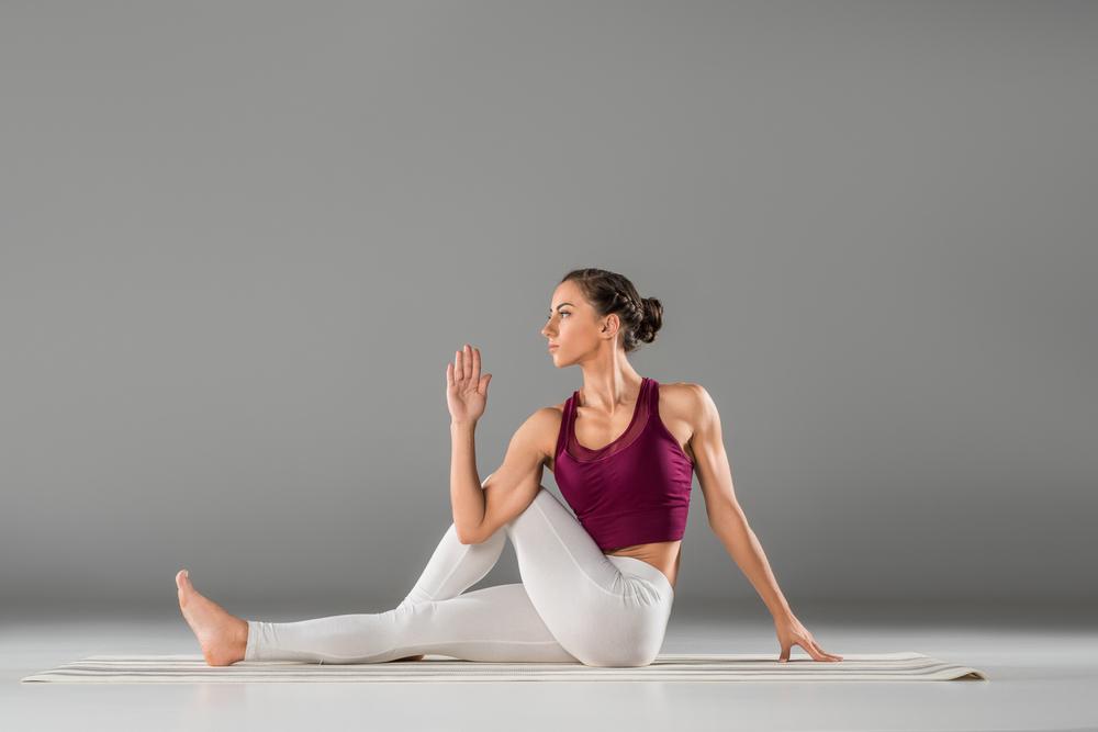 6 Posturas De Yoga Para Principiantes El Blog De Yogaone